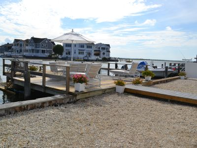 Photo for Newly renovated Bay home w/boat slips