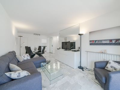 Photo for Wdf and modern one bedroom ideally located
