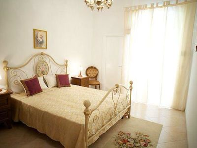 Photo for Pretty Rose Two-room apartment a stone's throw from the sea, equipped with all comforts