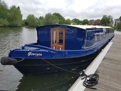 Photo for Beautiful Luxury Wide Beam Boat - Self Drive Boating Holiday On The Thames