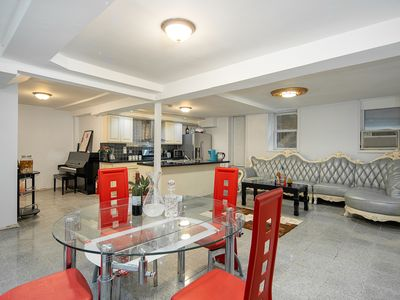 Photo for 4Bedroom.4 Bathroom,2000sf 15MinToTimeSquare NYC. Free Parking.Balcony NYC View