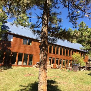 Large lodge, lots of windows for bright sunlight, private yard.  You'll love it.