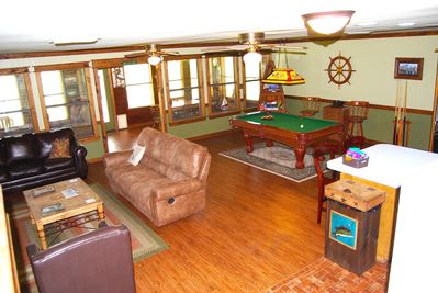 Large living room with tons of activities!