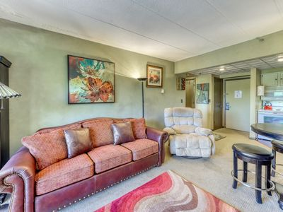 Photo for NEW LISTING! Cozy condo with shared pools, hot tub, sauna & close to the slopes!