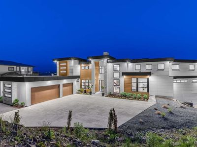 Photo for New executive home on Eagle Mountain. 4 bdrm, 5 bthrm Abbotsford