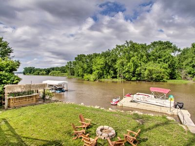 Photo for Private Waterfront Mississippi River Home!