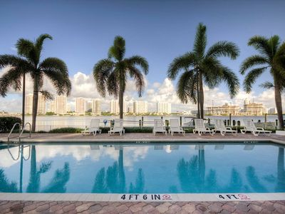 Photo for Le Laurier 802 - Condo 4 people, Sunny Isles