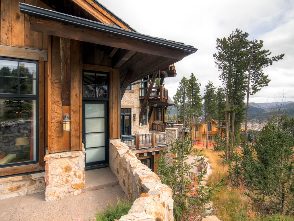 Experience Unparalleled Luxury in this Unique Timber Trail Masterpiece
