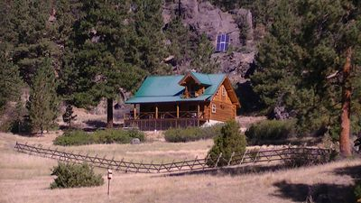 Built in 2006, our log cabin has a lg deck and private balcony off master suite