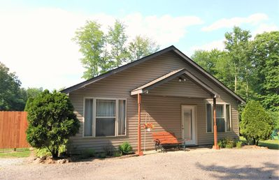 Furnished Guest House near Ann Arbor with beautiful views of private pond.