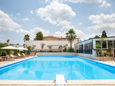 Photo for Villa Palmizi with pool and 5 rooms with en suite bathroom in the heart of Salento