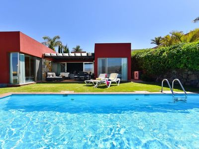 Photo for Beautiful apartment for 4 guests with WIFI, private pool, A/C, TV and parking