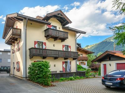 Photo for Cozy old town villa in the center (Kitzbühel)