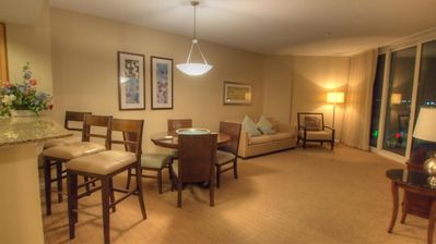 Relax in this 2 Bedroom Condo at the Palms of Destin Resort