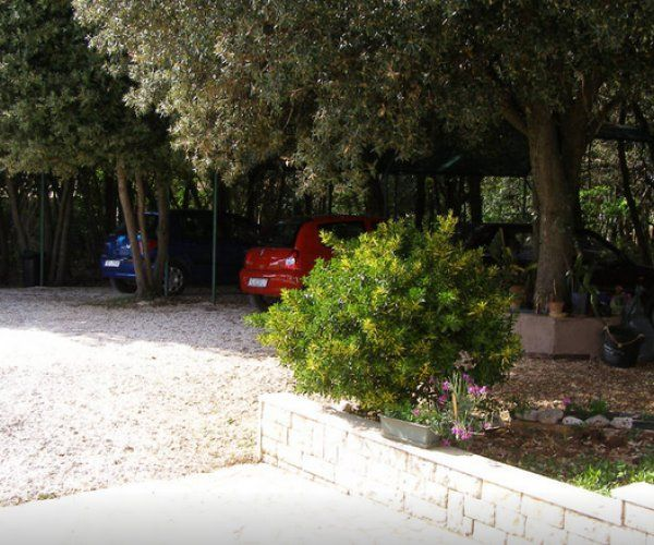 2 Bedroom Apartment Surrounded By Greenery W Safe Parking Stinjan Istria