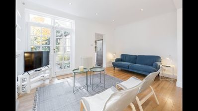 Photo for Beautiful Period House near River Thames (Sleeps 4) Central London Zone 1