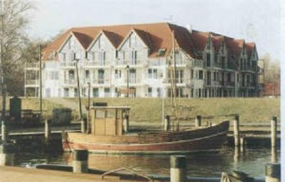 Photo for Vacation apartment with a view of the Bodden on the old harbor in Zingst *****