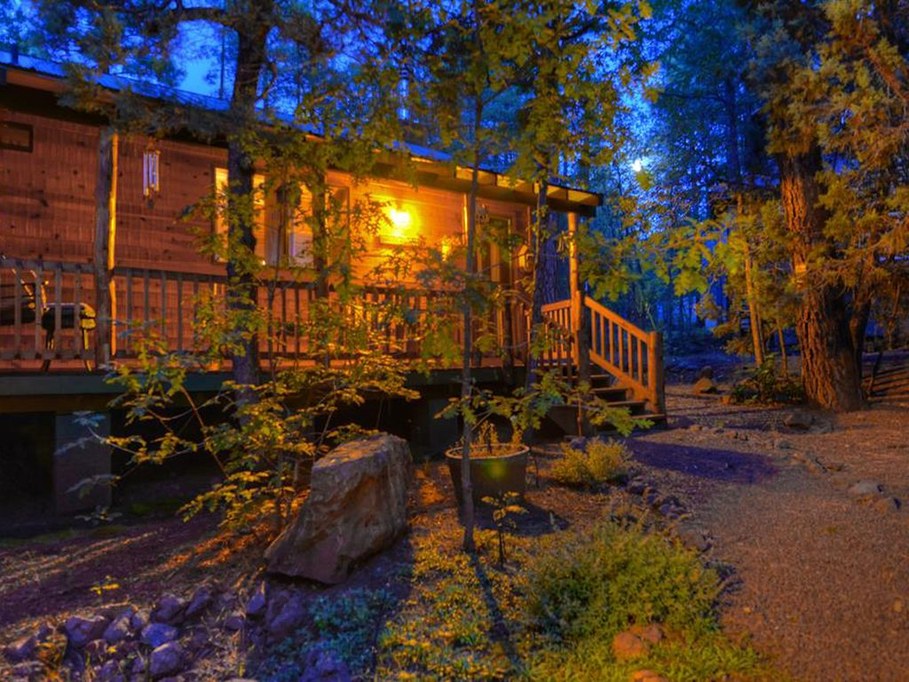 Gorgeous cabin in the pines step into a s vrbo for Az cabin rentals with hot tub