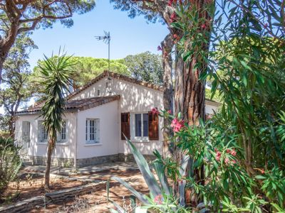 Photo for Vacation home L'Espadon in Hyères - 5 persons, 3 bedrooms