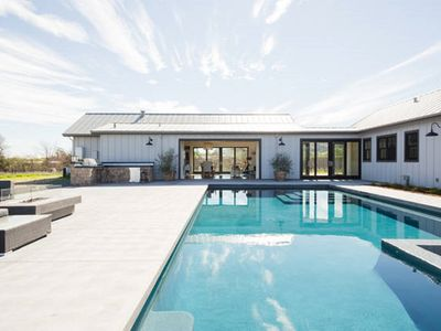 Photo for Sonoma Vineyard Farmhouse Estate w/PoolSpa