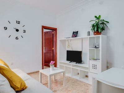 Photo for Charming Apartment 'Tenerife 2' in central Santa Cruz with Wi-Fi & Air Conditioning