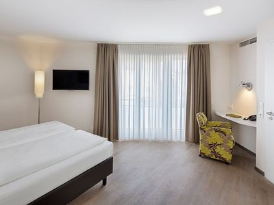 Photo for Junior Suite barrier-free - TAOme - Feng Shui Stadhotel Breisgau