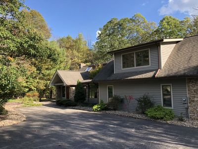 Photo for Flip Flops & Mountain Tops- 5 Bedroom Lakefront w/ Private Dock & Fire Pit