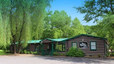 Photo for Calling all youth groups, large family Gatherings...Sky Harbor Lodge has what you need!