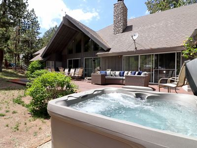 Winterpark: Close to Bear Mountain and Snow Summit! Game Room with Pool and Foosball! Luxury!