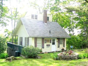 Cozy Boothbay Harbor Cottage