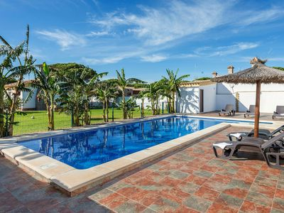 Photo for Plenty of privacy and with pool - Casa Layda