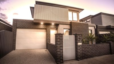 Photo for 2BR Townhome Vacation Rental in Geelong West, VIC