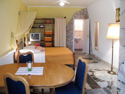 Photo for Apartment Haus Zwei Rosen (PUL550) in Pula - 2 persons, 1 bedrooms