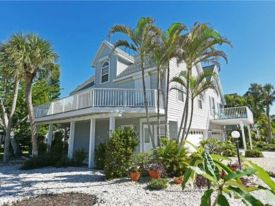 Directly Across the Street from Gulf Beaches! Last Minute December Savings!