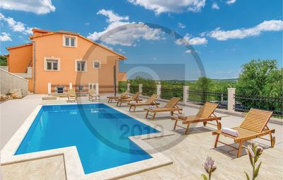 Photo for 5 bedroom accommodation in Sinj