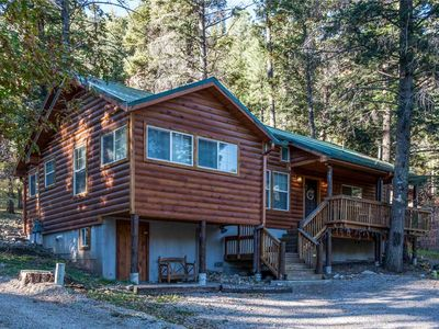 Photo for Chestnut Lodge, 4 Bedrooms, Sleeps 8, Hot Tub, Grill, Gas Fireplace, AC, WiFi