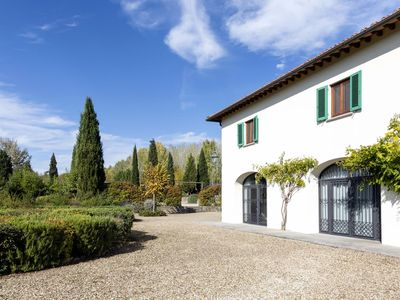 Photo for Beautiful private villa with private pool, A/C, WIFI, TV and parking, close to Greve In Chianti
