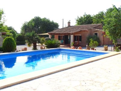 Photo for Country house with large pool and large gardens
