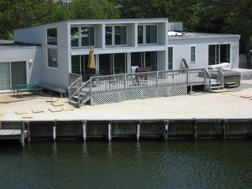 One Story Spacious 4 Br, 2.5 Bath Lagoon Front Home