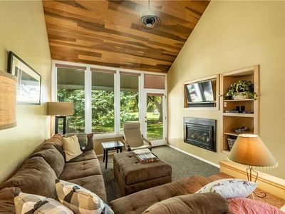 Photo for Pay Day 183 (3BR Plus Loft Silver with Hot Tub): 3 BR / 3 BA  in Park City, Sleeps 8