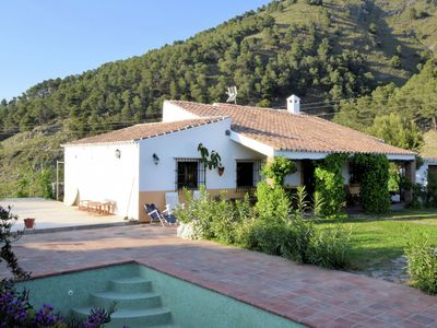 Photo for Holiday home with private swimming pool in  quiet nature area near Alcaucín