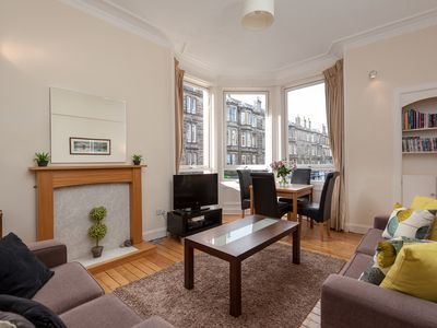 Photo for Bright and Spacious Apartment Close to Royal Mile and City Centre Attraction