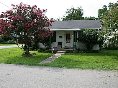 Photo for Steve & Katie Riley Guest House, Breaux Bridge, 2 Bd, 1.5 Ba Artists Welcome!