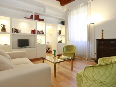 Photo for NEW! cozy apartment just steps from the Uffizi Gallery and the Ponte Vecchio