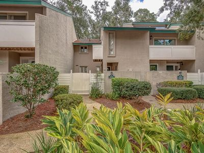 Photo for Sea Pines Vacation Villa / 295 Stoney Creek / Walk to Harbour Town