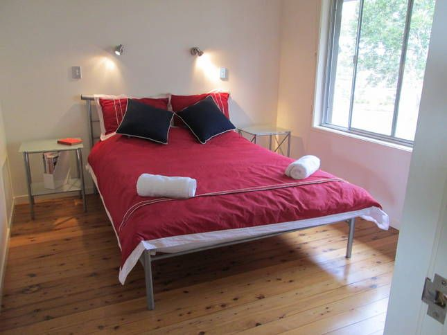 Jindalee beach house hyams beach new south wales for Beds jindalee