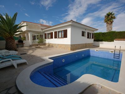 Photo for Saona Villas: villa with private pool, 12 to 14 people, 2 km from the sea!