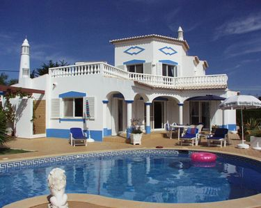 Photo for 3BR Villa Vacation Rental in Carvoeiro-Lagoa, Portimao