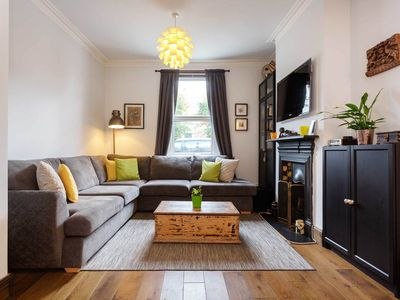 Photo for Sleek 2 bedroom home in the heart of Wimbledon. Very close the train (Veeve)