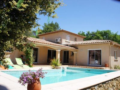 Photo for Beautiful holiday cottage with private swimming pool in Cotignac in the Haut Var in Provence